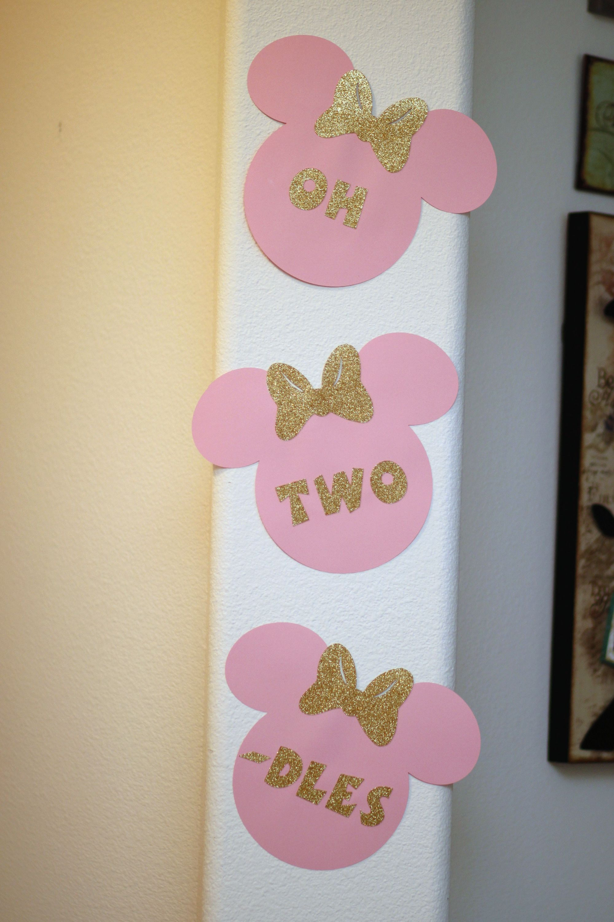 Oh, Two-dles decor